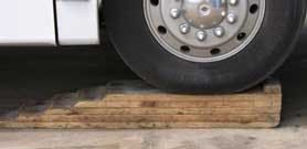 Tire--Ramped-Blocks-RV-Doc-RVT-752