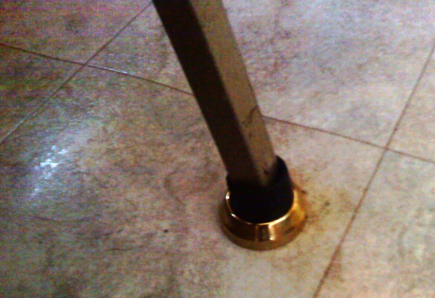 RV Mods: Table drop-leg chewing floor? Here's a quick fix!