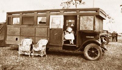 """Vintage RV photos: """"Harriet"""" the house car"""
