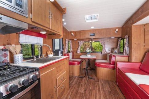 Gulf Stream Vintage Cruiser 23TWS knotty pine interior