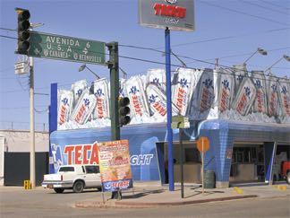 Agua Prieta border crossing. Photo by LiveWorkDream.com